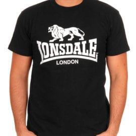 Черная футболка с печатью