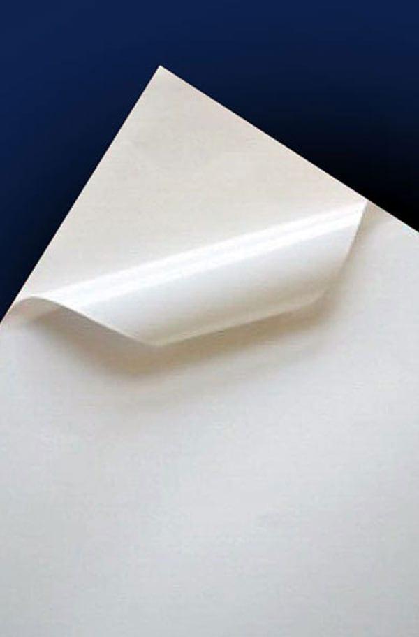 Бумага самоклейка для афиш