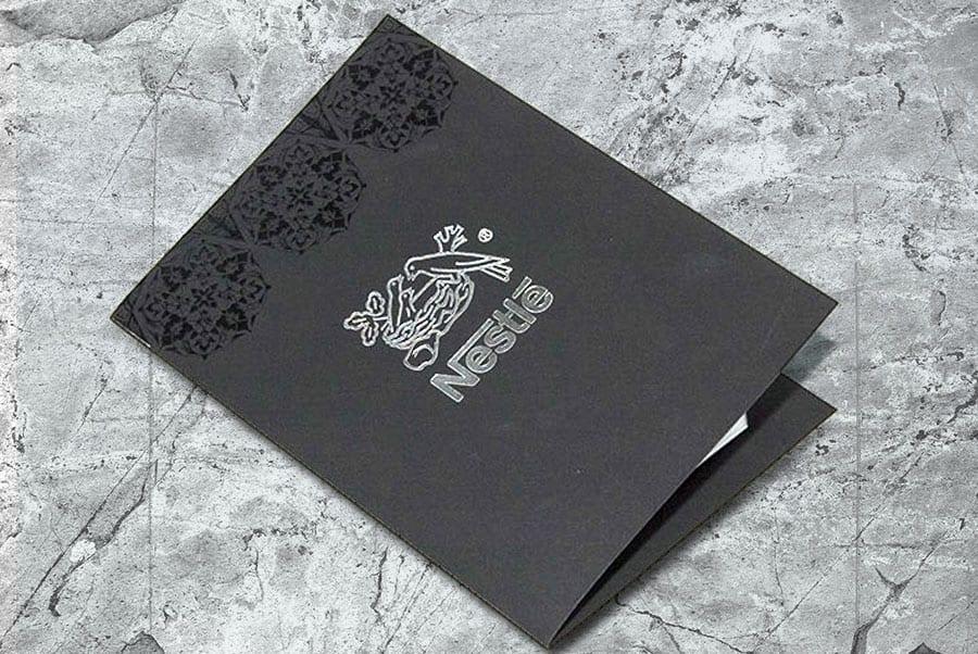 Открытка А5 на дизайнерской бумаге с уф лаком и тиснением серебром